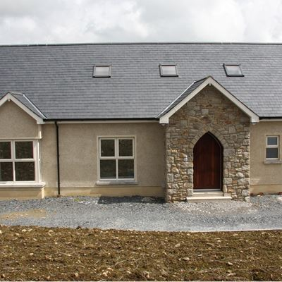 Traditional Bungalow - Rozadais Slate